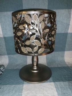 Bath and & Body Works Dogwood Flower Pedestal Candle Holder