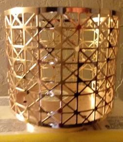 Bath & Body Works 3-Wick 14.5 oz Candle Sleeve Holder rose g