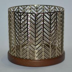 Bath & Body Works Gold Chevron Large 3-Wick 14.5 oz Candle H