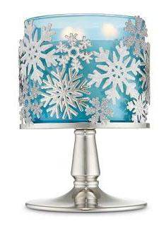 Bath and Body Works Tossed Snowflakes Pedestal 3 Wick Candle