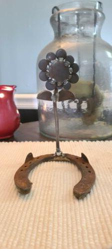 Welded Horseshoe Center Piece Holder Set