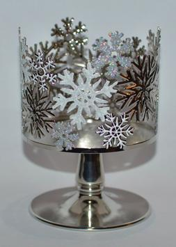 Bath and Body Works Tossed Snowflakes 3-Wick Candle Holder